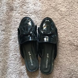 Patent leather slides